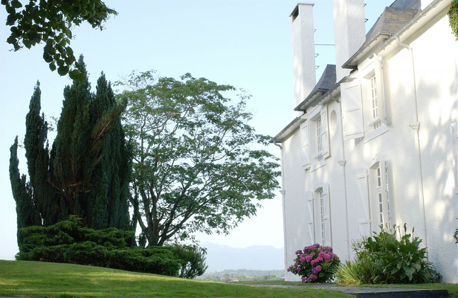 Clos Mirabel Manor House with the Pyrenees in the background