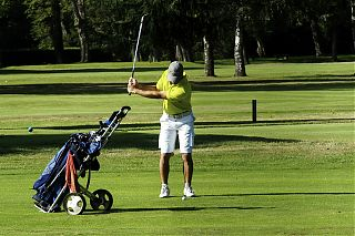 man playing golf in Pau