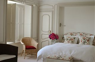 The Master Bedroom, 160cm bed