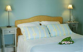 chambre bleue avec un lit de 160cm