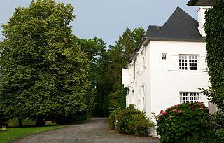 L'Appartement du Manoir- exterior avec entrée indépendante.