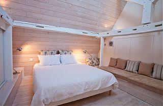 """location d""""été - chambre avec grande lit dans le appartement du Manoir a Clos Mirabel"""